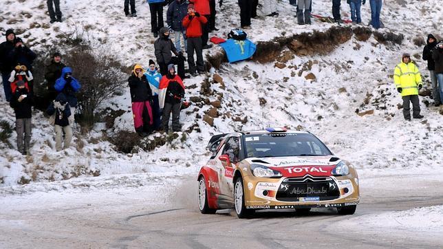 Loeb lidera en Montecarlo