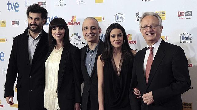 «Blancanieves» y su madrastra, Maribel Verdú, triunfan en los premios Forqué