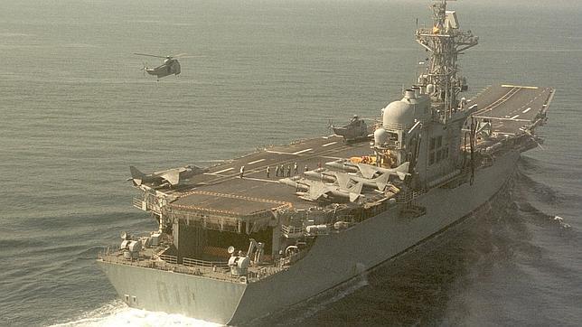 Despedida de honor en Rota al portaaviones «Príncipe de Asturias»