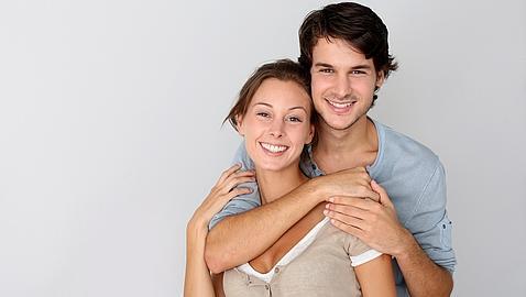 Los solteros españoles desean enamorarse en mayor grado que las solteras