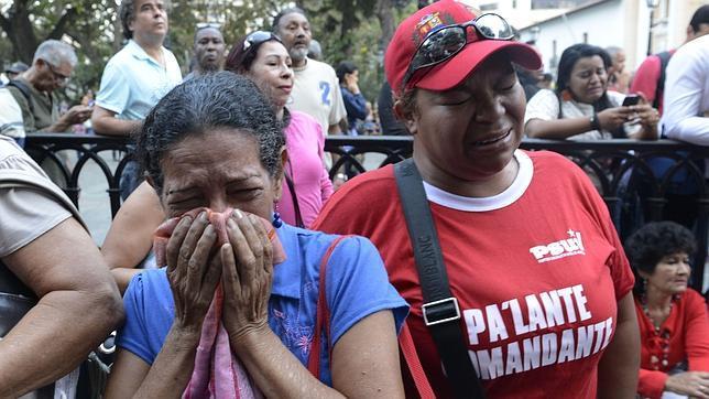 Simpatizantes de Chávez al conocer su muerte