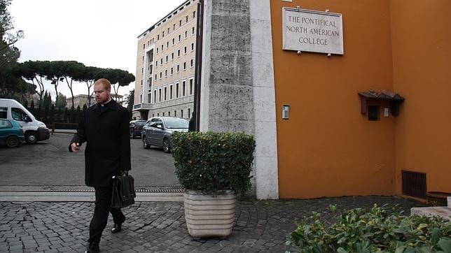 Entrada al North American College, en Roma