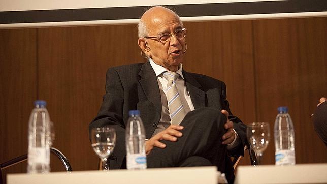 Ram Bhavnani: «Si hubiera tanto paro nos mataríamos los unos a los otros»
