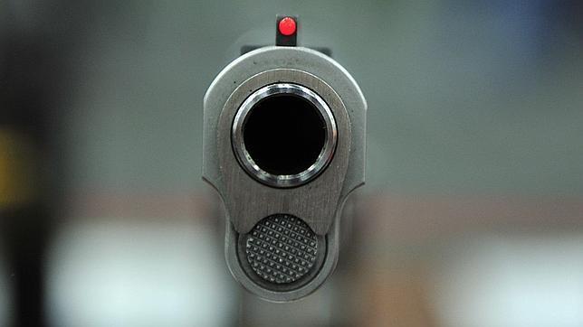 Un niño de cuatro años mata a otro de 11 mientras jugaban con una pistola