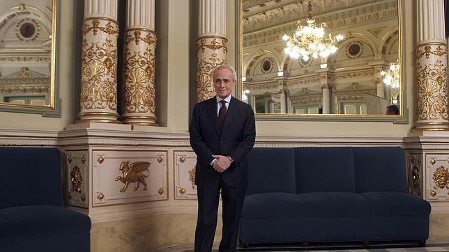 El tenor José Carreras posa en el Gran Teatro del Liceo de Barcelona