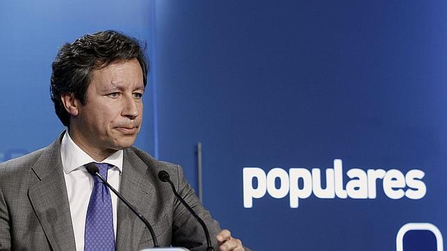 Floriano, tras el anuncio de Griñán: «Gobernará un partido que no ha ganado y una candidata que no se ha presentado»