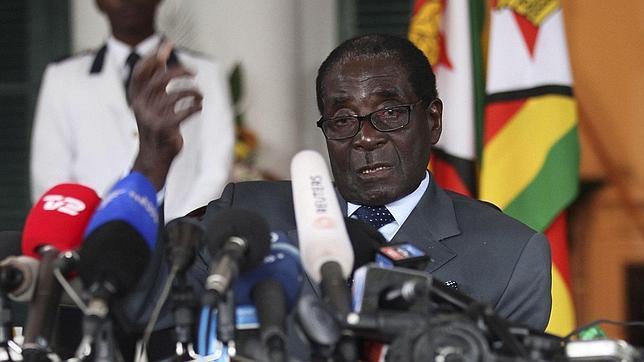 Mugabe advierte: «Si no hay un resultado claro, lo impugnaremos»