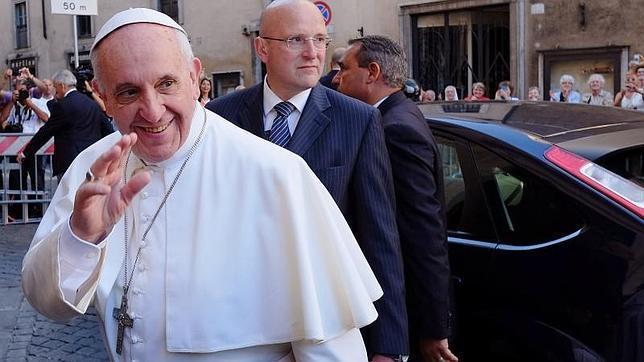 El Papa pide a los jesuitas que no vayan por «caminos paralelos» a la Iglesia