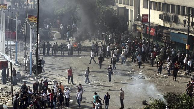 El Ejército frena la ira islamista