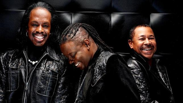 Earth, Wind & Fire regresa con «Now, Then & Forever» y su clásico sonido funk