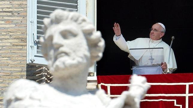 El Papa Francisco, contra la guerra, como Juan Pablo II
