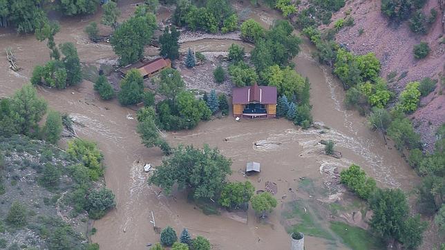 Más de 1.200 personas están desaparecidas y 11.700 han sido evacuadas por las inundaciones en Colorado