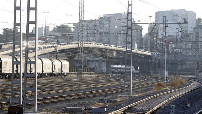Una mujer muere y su pareja está grave tras ser arrollados por un tren mientras practicaban sexo en la vía
