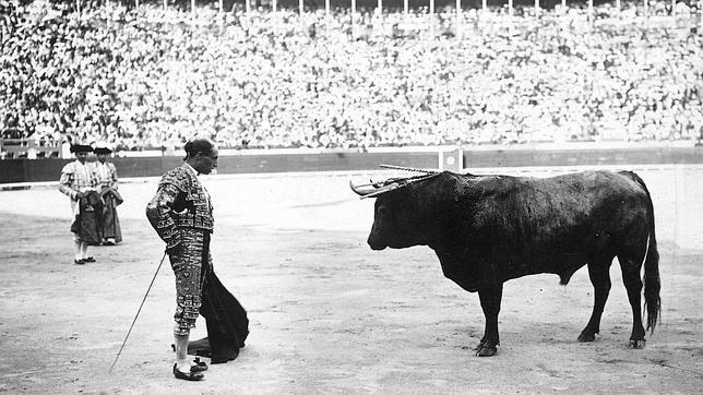 Rafael el Gallo, en seis genuinos pasos