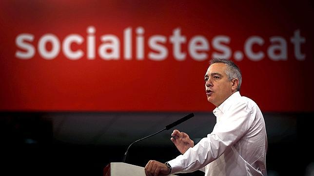 El Consejo Nacional del PSC avala a Navarro en su apuesta por una consulta pactada con el Gobierno