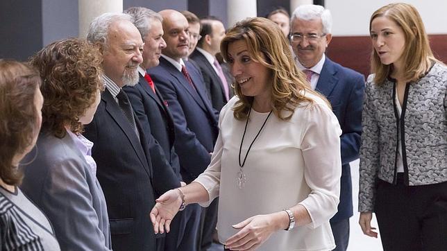 El PP «examina» el patriotismo de Susana Díaz en el Parlamento andaluz