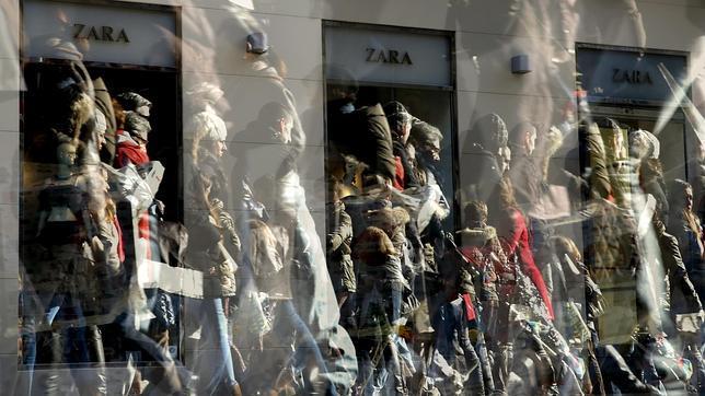 Zara cumple 25 años desde que abrió en Oporto su primera tienda fuera de España