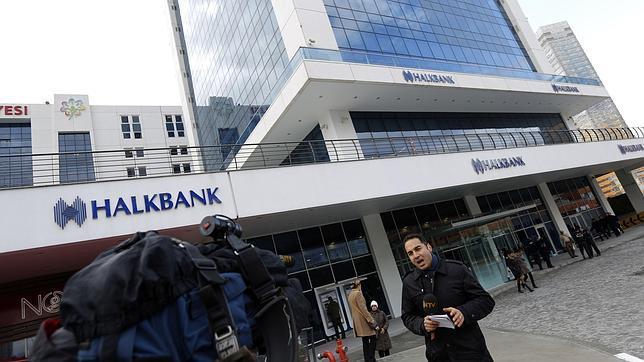 Una operación anticorrupción hace tambalearse al gobierno turco