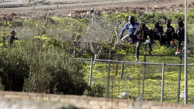 Melilla y Ceuta, una incesante presión migratoria