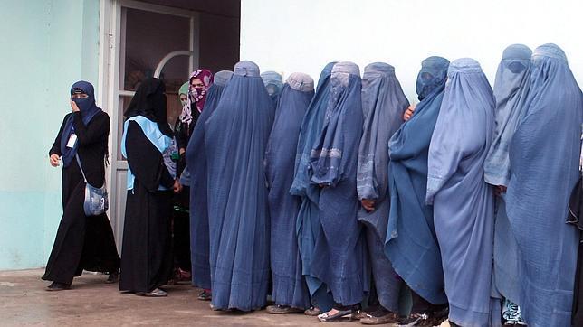 La alta participación en las elecciones en Afganistán se impone a la amenaza talibán