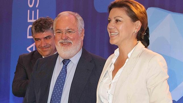 Cospedal denuncia los ataques al PP de Cataluña perpetrados por «fascistas»