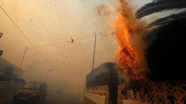 Escapa con vida de un incendio en su casa pero muere al volver para recuperar el móvil