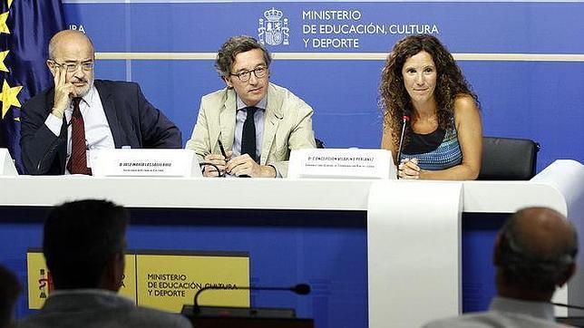 José María Lassalle (centro), junto a Concepción Vilariño y Jesús Prieto