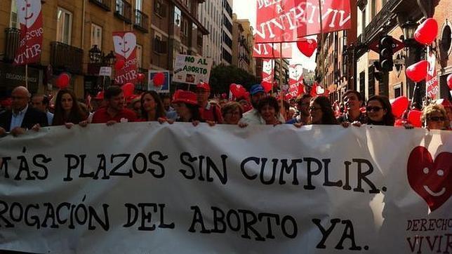 Los manifestantes de la Marcha por la Vida, este mediodía en Madrid