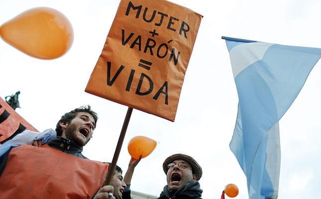 Cientos de personas participan en Buenos Aires en una manifestaciónen contra del matrimonio homosexual