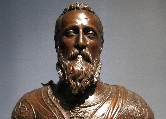 Escultura en bronce de Fernando Álvarez de Toledo, III Duque de Alba