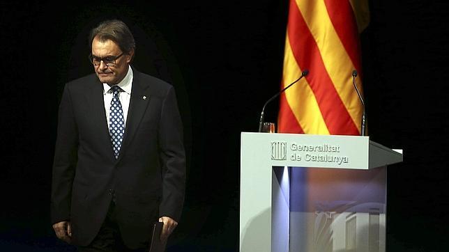El presidente catalán y líder de CiU, Artur Mas, tras pronunciar su conferencia titulada «Después del 9N: tiempo de decidir, tiempo de sumar»
