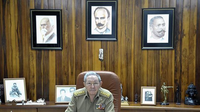 Raúl Castro, en su despacho en La Habana