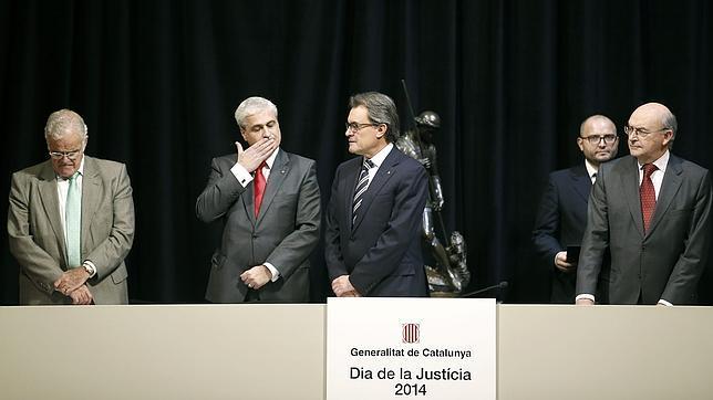 Artur Mas, junto al Fiscal Superior de Cataluña, Romero de Tejada; y el presidente del TSJC, Miguel Angel Gimeno