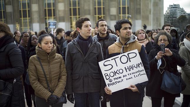 Cientos de personas se manifiestan en París contra Boko Haram