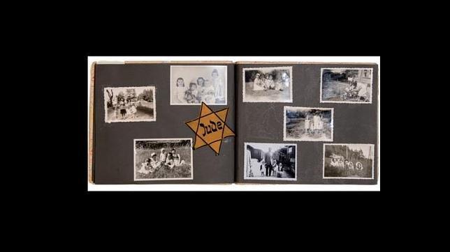 Álbum de la familia Ruiz Santaella con fotos de Gertrud Neumann y Lina y Ruth Arndt de la exposición «Más allá del deber»