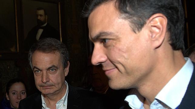 Sánchez y Zapatero coincidieron ayer en el Ateneo de Madrid