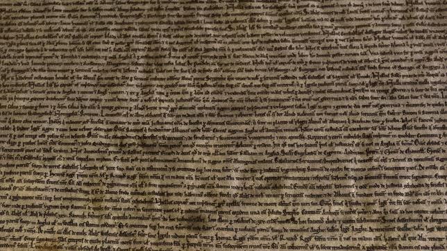 Una de las copias que se conservan de la Carta Magna