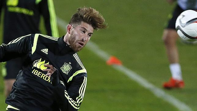 Sergio Ramos, durante un entrenamiento con la selección española
