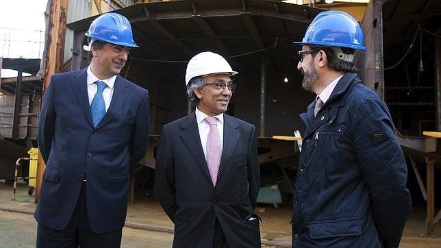 Alejandro Marques (i), Mario Cardama (c) y Joaquín Rial (d), los tres socios fundadores