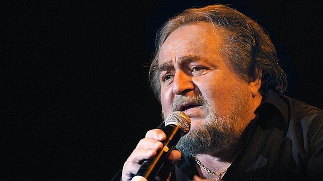 Richard Anthony, en una imagen de archivo durante un concierto en París