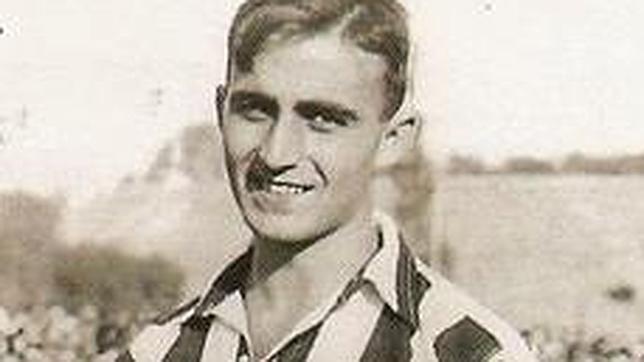 «Monchín» Triana, con la camiseta del Atlético de Madrid