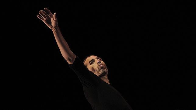 Pase grafico del espectaculo de Israel Galvan en la Bienal de Flamenco, en el Teatro Lope de Vega, en 2014