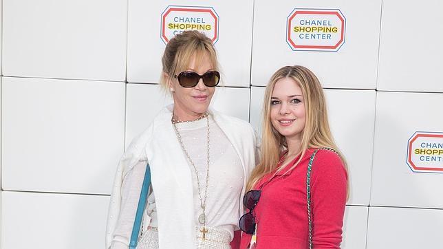 Melanie Griffith, su hija, Stella del Carmen, en en 2014
