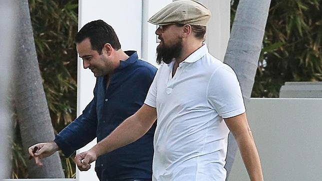 Leonardo Dicaprio caminando por Miami