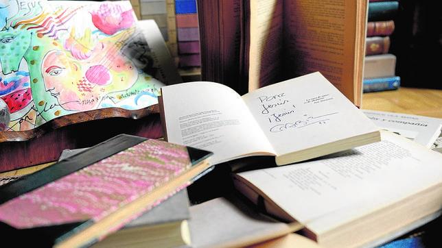Libros firmados por escritores