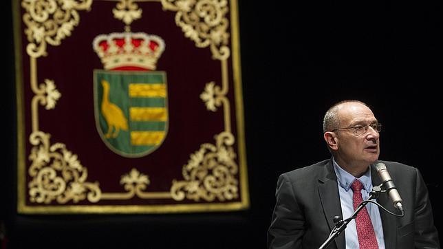 Luis Martínez Hervás, alcalde de Parla, durante la sesión de investidura del pasado 13 de junio