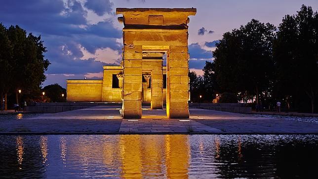 Vista nocturna del Templo de Debod