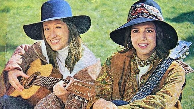 Carmen Santonja y Gloria Van Aerssen formaban el grupo Vainica Doble