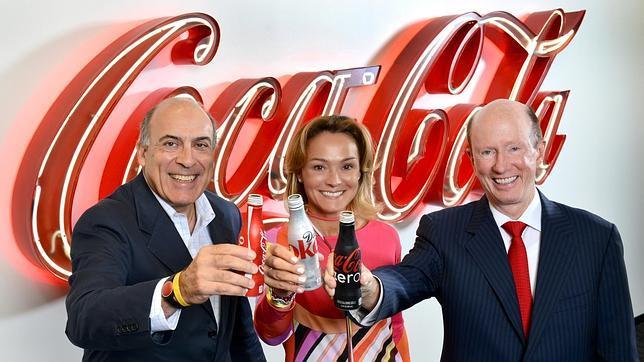 Muhtar Kent (Coca-Cola), Sol Daurella (Coca-Cola Iberian Partners) y John Brock (Coca-Cola Enterprises) celebran la fusión