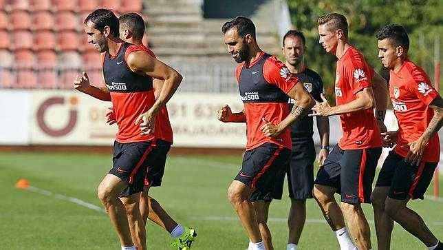 Último entrenamiento del Atlético antes de viajar a Sevilla